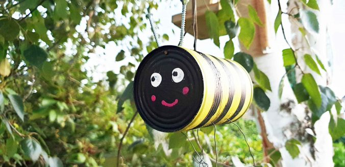 Bienen und Insekten freuen sich über kleine, feine Unterkünfte und Futter